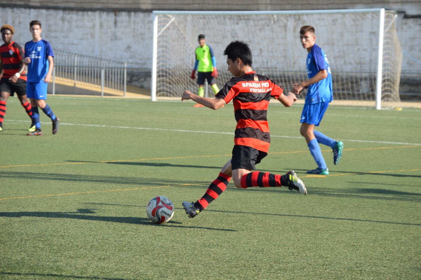 蔡秉均於西班牙瓦倫西亞參與足球比賽2